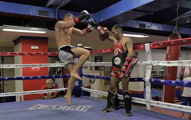 Entrenamiento de Muay Thai